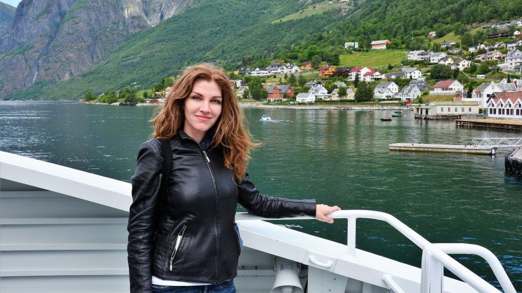 Geri Vladeva - whenwomantravels.com